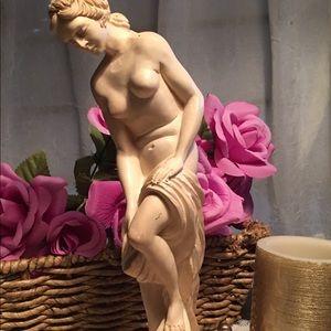 Vintage Deco Nude Venus Goddess Bath Statue Ivory
